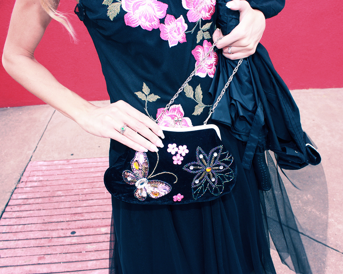 floral_clutch