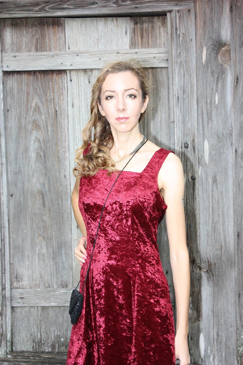 red_velvet_dress_outfit