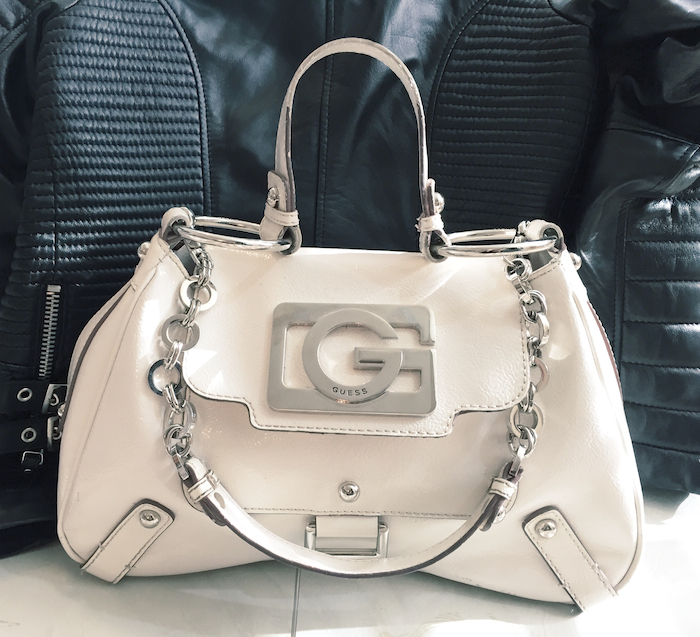 guess_white_patentleather_bag