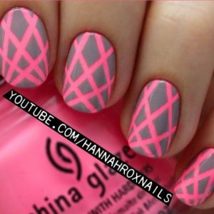pink_nails_stripes